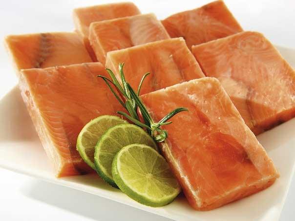 кубики филе лосось семга